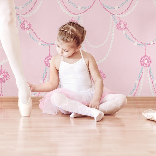 Kids wallpapers Child Elegance-945530